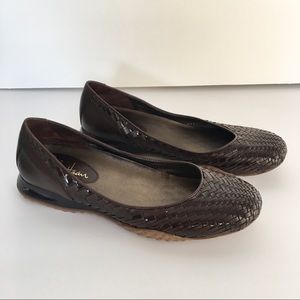 Cole Haan | Nike Air Woven Brown Flats Size 8.5 B